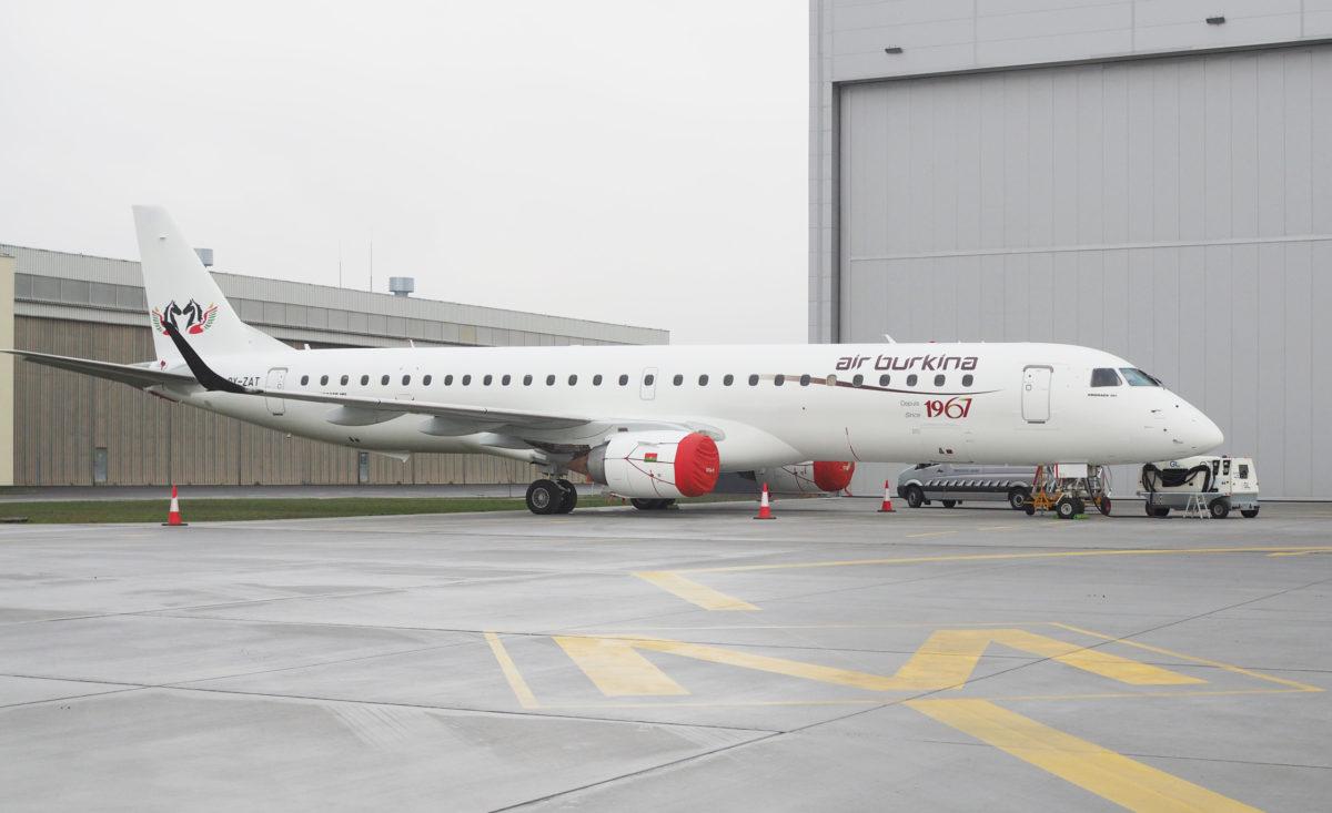 Malowanie Embraera 195