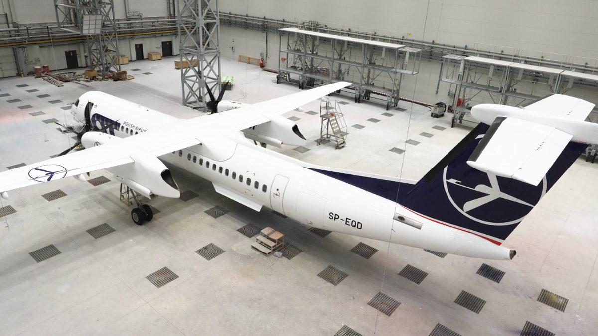 Malowanie samolotu Bombardier Q400